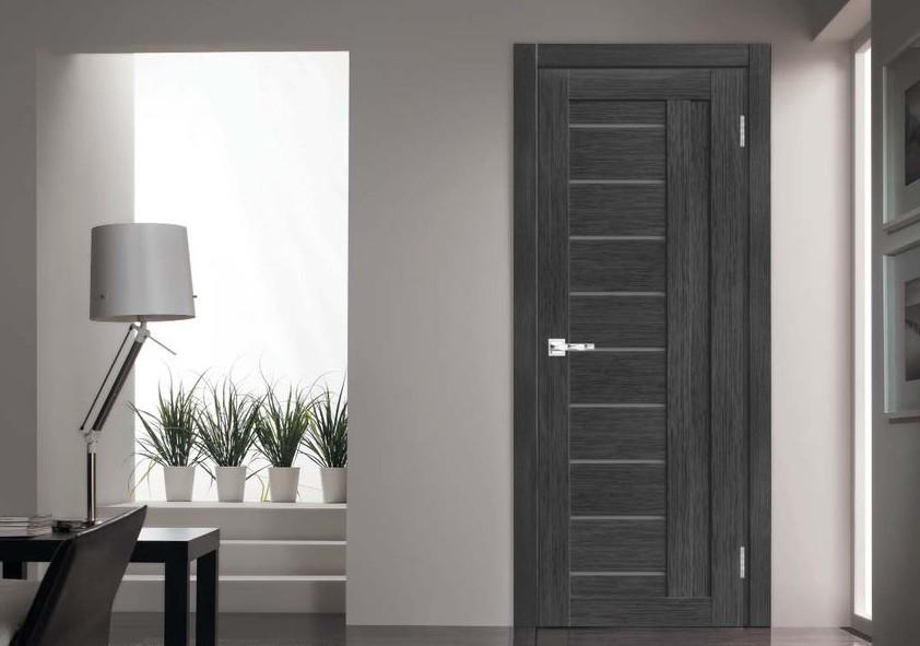 двери из экошпона фото в квартире середине