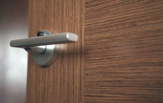 Как выбрать фурнитуру для дверей
