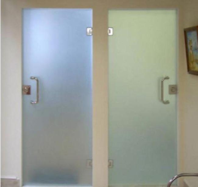 Стеклянные двери в ванну или туалет